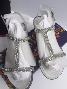 Stuart Weitzman Clear/ Silver/ Crystals New In Box Sandals Size US 6 Regular (M, B)