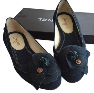 Chanel Navy Blue Pumps