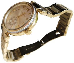 5600de8b4073 Michael Kors Gold Watches - Up to 90% off at Tradesy