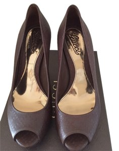 Gucci Leather Heel Platform Platform Peep Toe Heel Brown Pumps
