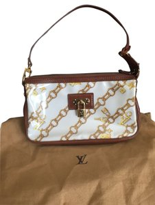 Louis Vuitton Pochette Accessoires Monogram Charms Lv white/brown Clutch