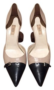 Prada Beige and black Pumps