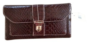 Liz Claiborne Brown croco embossed tri-fold with checkbook.