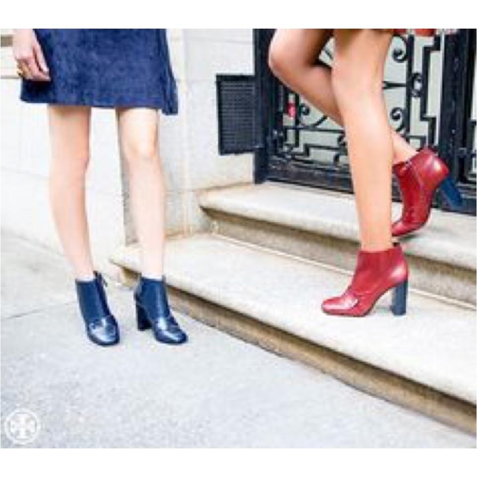 4a2b16e26 Tory Burch Bright Navy Bond (Dustbag Included) Boots Booties Size US 8  Regular (M