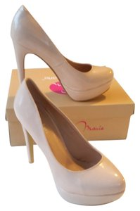 Bella Marie Twenty One Beige Nude Tan Pink Neutral Patent Heels High Almond Toe New In Box Never Worn Pumps