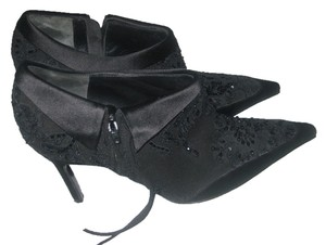 Badgley Mischka black satin,fabric,lace & beads ankle Boots