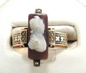 Vintage Rose Gold Cameo Ring - Size 7.5