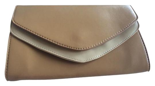 Preload https://item3.tradesy.com/images/envelope-tan-faux-leather-clutch-959822-0-0.jpg?width=440&height=440
