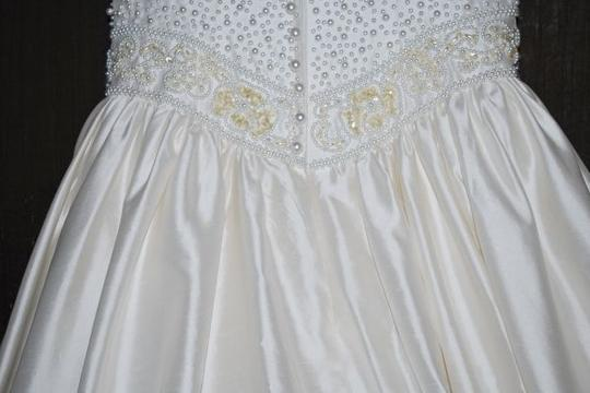 Forever Yours International Off White Dupioni Silk Formal Wedding Dress Size 6 (S)