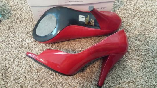 Bakers red Pumps