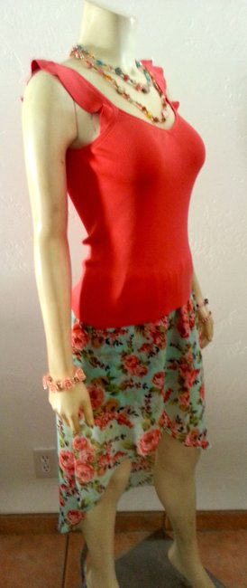 Ann Taylor LOFT P596 Stretchy V-neck Corral Sleeveless Silk Blend Mint Condition. Top CORRAL PINK