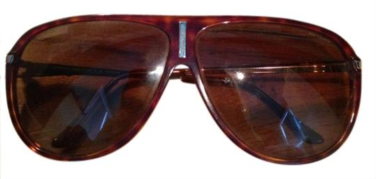 Preload https://item4.tradesy.com/images/versace-brown-polarized-aviators-sunglasses-961293-0-0.jpg?width=440&height=440