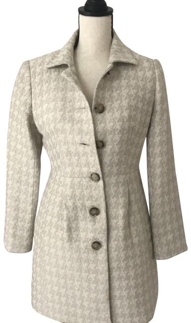 Item - Beige / Cream Cute New with Tags. Br Coat Size Petite 2 (XS)