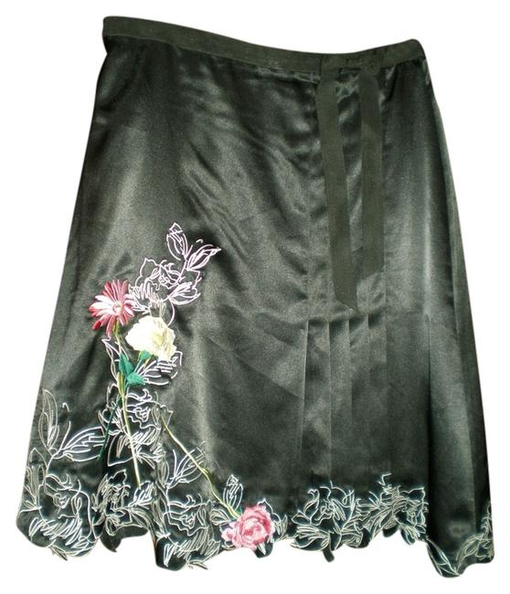 Preload https://item3.tradesy.com/images/luxury-silk-embroidered-rose-knee-length-skirt-size-6-s-28-962152-0-0.jpg?width=400&height=650