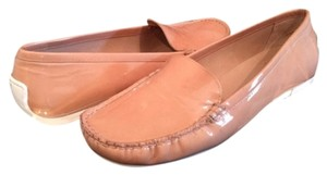 Stuart Weitzman Patent Leather Moccasin Women Driver Leather Beige Patent Women In Nude Flats
