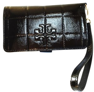 Tory Burch BRAND NEW WITH TAGS TORY BURCH MARION PATENT LEATHER WRISTLET WALLET black