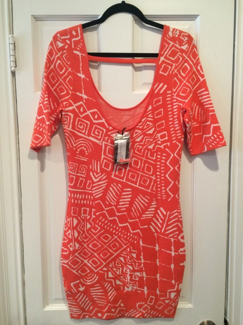 """Torn by Ronny Kobo Coral New Tribal Knit 'casey"""" Mid-length Short Casual Dress Size 4 (S) Torn by Ronny Kobo Coral New Tribal Knit 'casey"""" Mid-length Short Casual Dress Size 4 (S) Image 5"""