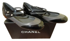 Chanel Dark grey and black patent leather Flats