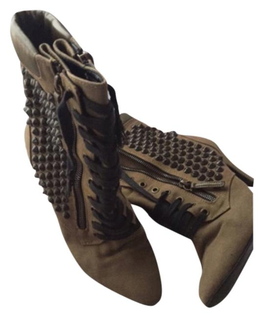 Item - Army Green Boots/Booties Size US 7 Narrow (Aa, N)