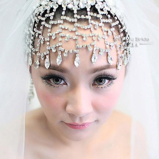 Other Gatsby-Inspired Bridal Headpiece