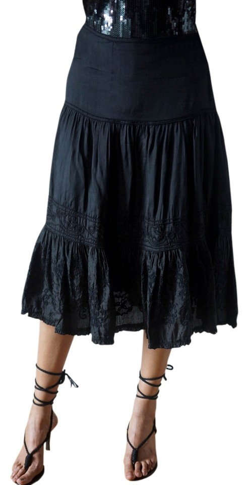 Zara Black Low Rise A Line With Embroidery At The Skirt Size 4 S