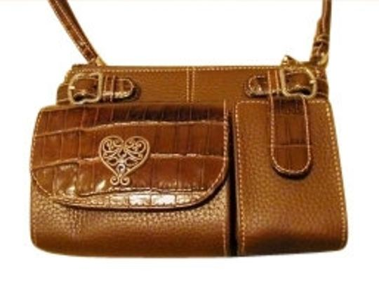 Preload https://item3.tradesy.com/images/brighton-french-kiss-organizer-purse-brown-t40685-cross-body-bag-9632-0-0.jpg?width=440&height=440