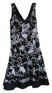 Nine West short dress Black and white floral on Tradesy