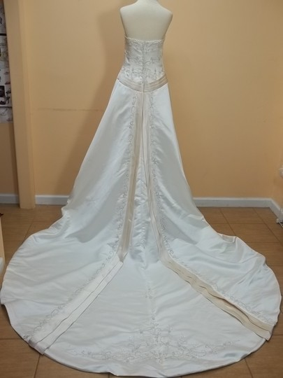 DaVinci Bridal Ivory/Champagne Satin 8225 Formal Wedding Dress Size 10 (M)