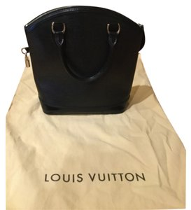 Louis Vuitton Lockit Epi Leather Tote in Black