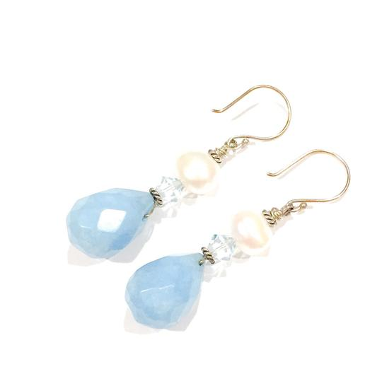 Preload https://img-static.tradesy.com/item/9638071/sky-blue-faceted-jade-briolette-earrings-0-4-540-540.jpg