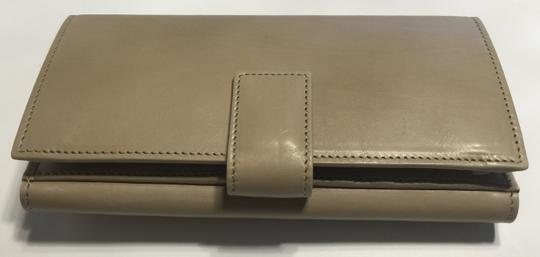 Gucci Gucci 231835 Washed Softcalf Cream Leather Continental Wallet Clutch