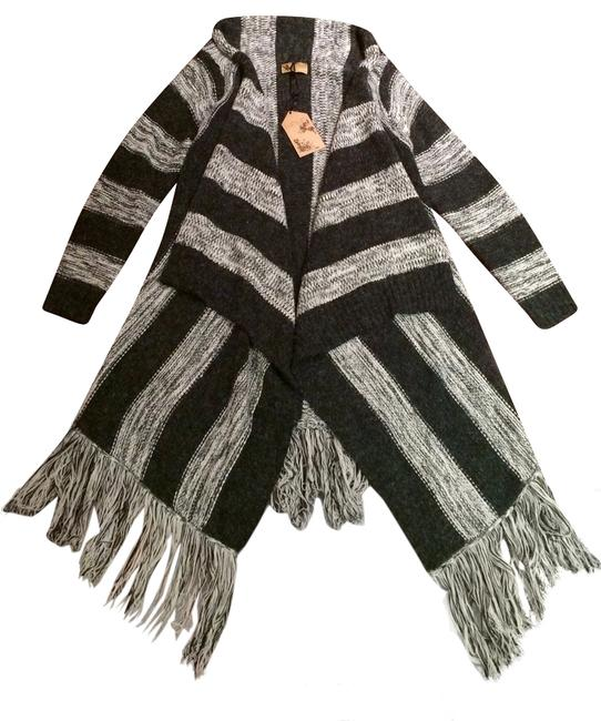 Preload https://item5.tradesy.com/images/grey-open-front-oversized-fringed-coat-sweaterpullover-size-4-s-9638239-0-1.jpg?width=400&height=650