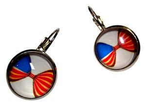 Other Cabochon French Hook Earrings Silver tone Flag J1639