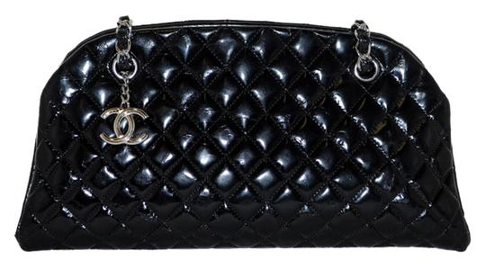 Preload https://img-static.tradesy.com/item/9639046/chanel-mademoiselle-quilted-lambskin-black-leather-shoulder-bag-0-1-540-540.jpg