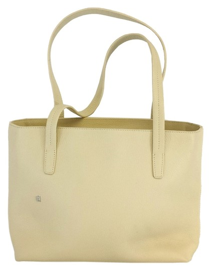 Preload https://img-static.tradesy.com/item/9639469/bally-cream-pebbled-leather-tote-0-1-540-540.jpg