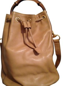 Gucci Vintage Leather Tote in Tan