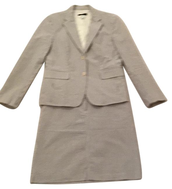 Preload https://img-static.tradesy.com/item/9640681/jcrew-seersucker-skirt-suit-size-6-s-0-1-650-650.jpg