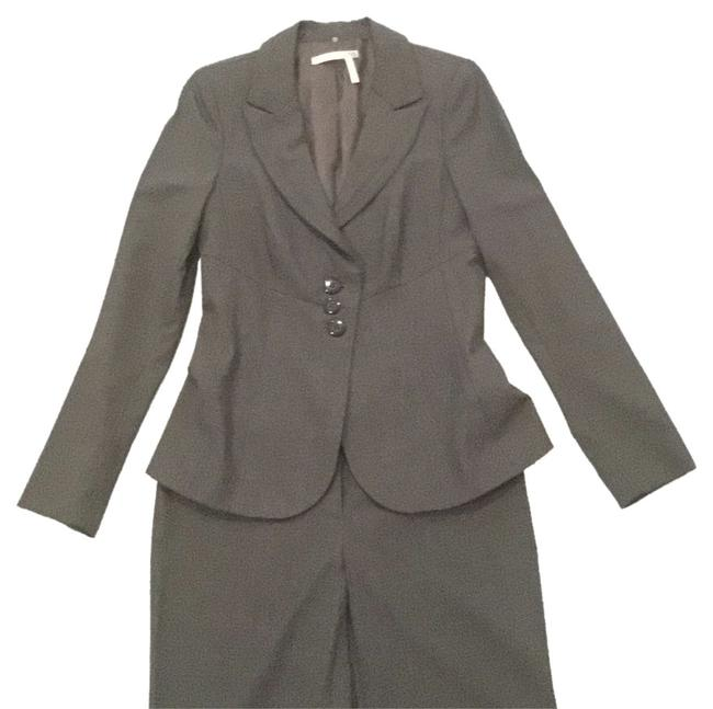 Preload https://item2.tradesy.com/images/classiques-entier-grey-pant-suit-size-6-s-9640756-0-1.jpg?width=400&height=650