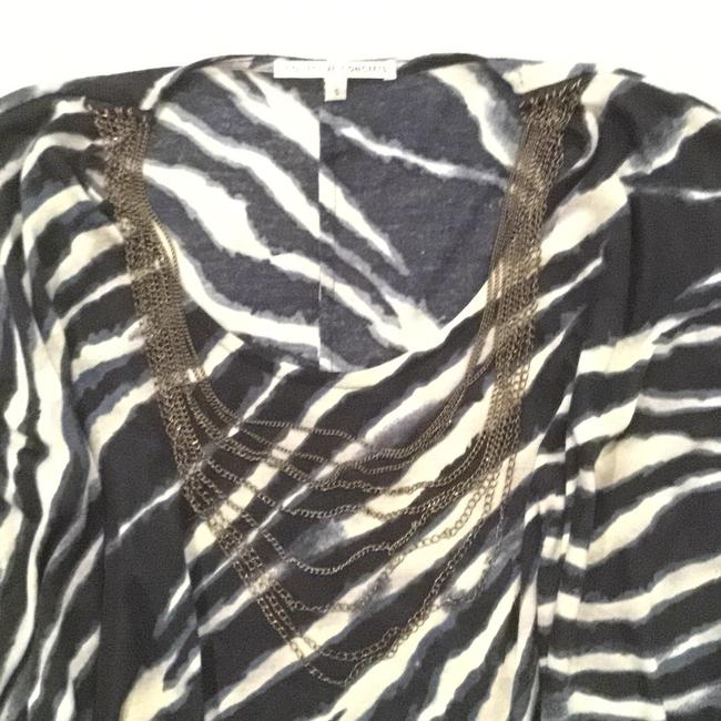 Collective Concepts Animal Print Chain Details Top Navy and Cream