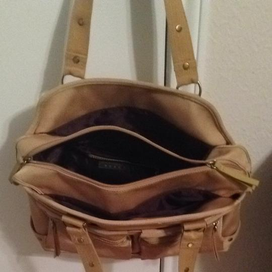 Kenneth Cole Reaction Tote in Golden sand