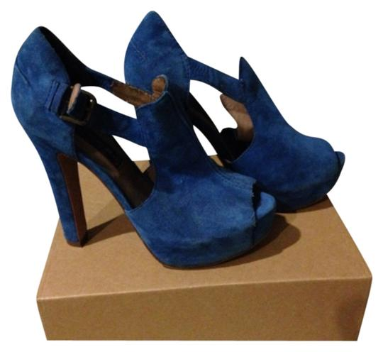 Preload https://img-static.tradesy.com/item/9642319/steve-madden-blue-platforms-size-us-75-regular-m-b-0-1-540-540.jpg