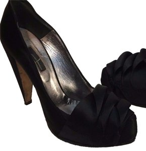 Amanda Wakeley Ribbon Heel Satin black Pumps