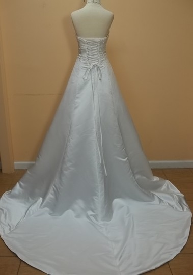 Demetrios White 4187 Formal Wedding Dress Size 8 (M)