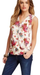 Olivia Moon Top Floral pattern