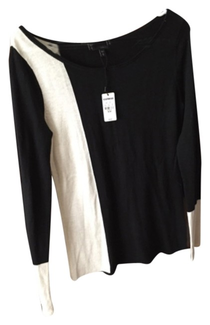 Preload https://item2.tradesy.com/images/express-black-and-white-sweaterpullover-size-8-m-9643876-0-1.jpg?width=400&height=650