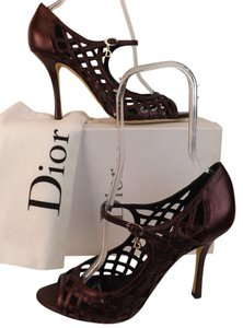Dior plum Pumps