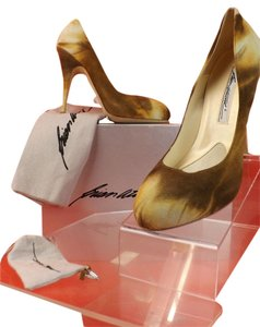 Brian Atwood BEIGE Pumps