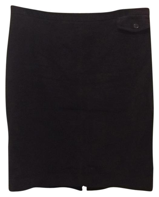 Preload https://img-static.tradesy.com/item/9645298/gap-eggplant-knee-length-skirt-size-14-l-34-0-1-650-650.jpg