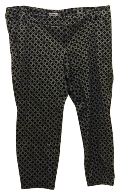 Preload https://item2.tradesy.com/images/old-navy-black-and-whitr-capricropped-pants-size-18-xl-plus-0x-9646321-0-1.jpg?width=400&height=650