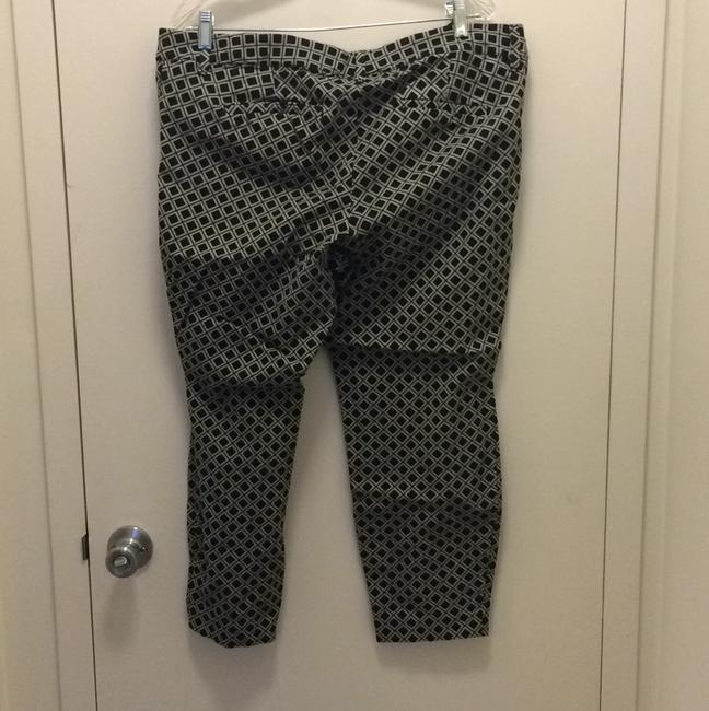 Old Navy Capri/Cropped Pants Black and whitr